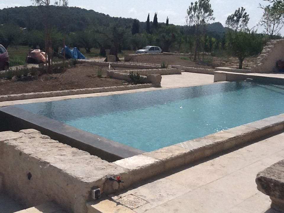 Construction d 39 une maison cogolin 83 avec piscine 2ica for Constructeur piscine var