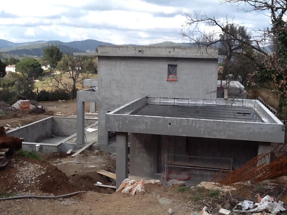 Construction d 39 une maison cogolin 83 avec piscine 2ica for Construction piscine 83
